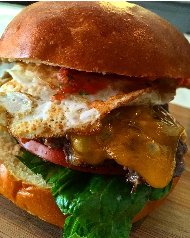 C.Lo Egg Burger