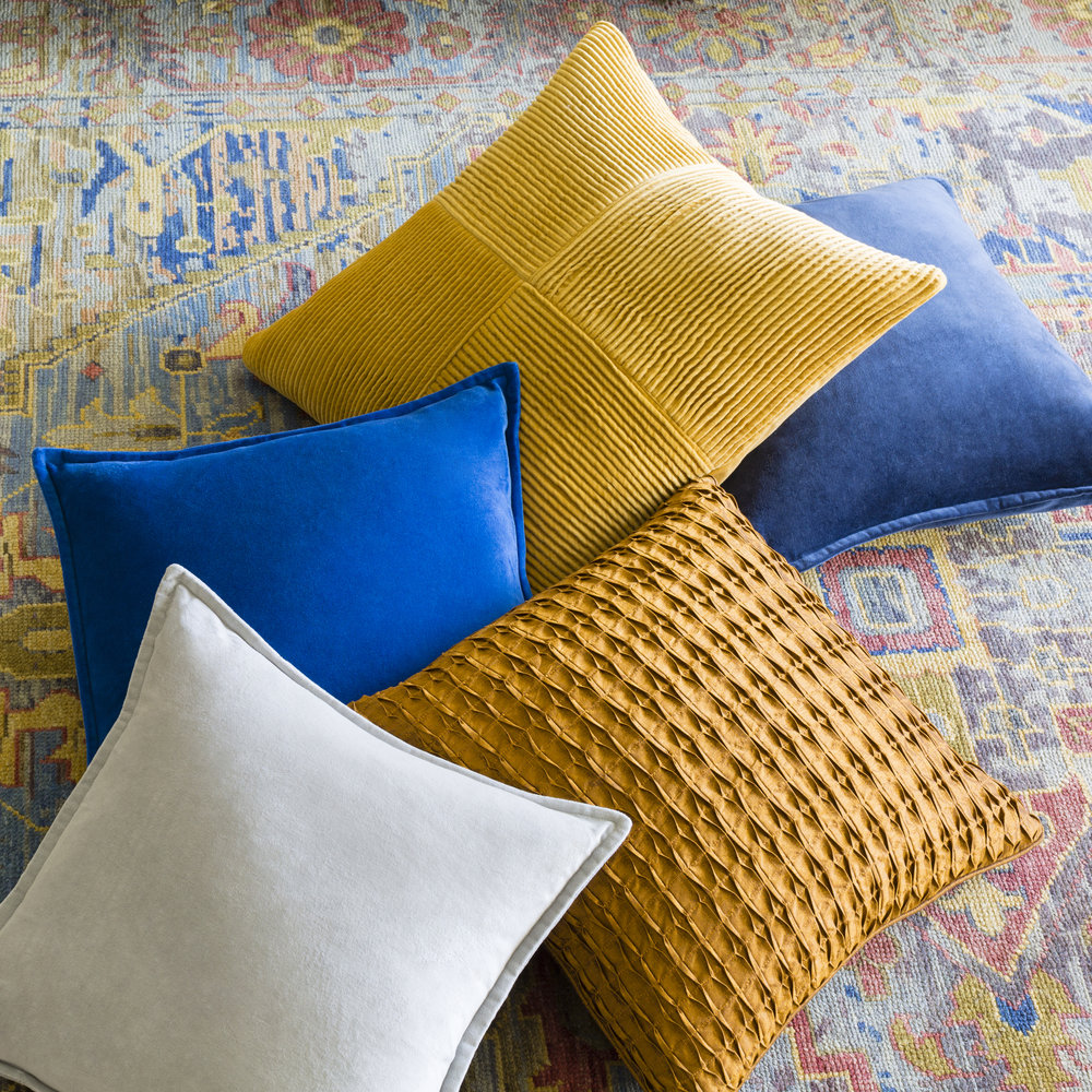 PillowAssortmentFall2016-styleshot_201.jpg