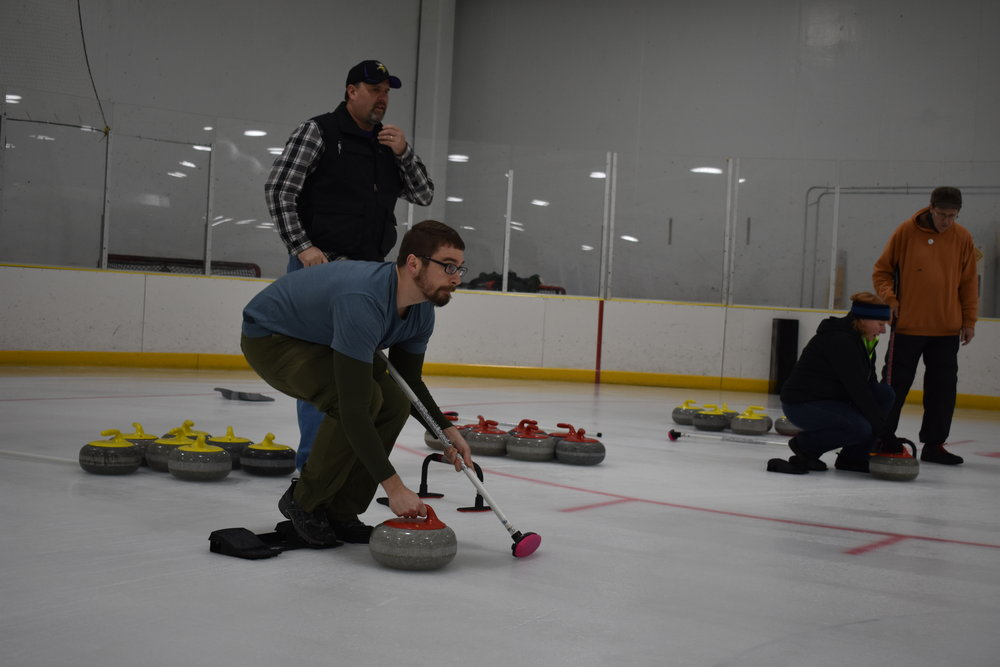 Curling Leagues - The Curling Club of Rochester offers league play and instructional league play with draws at 7:30 pm and 9:30 pm. The fall league begins in October, the winter instructional league in January, and the winter league in February. The Club is exploring the potential for additional leagues as ice time becomes available.
