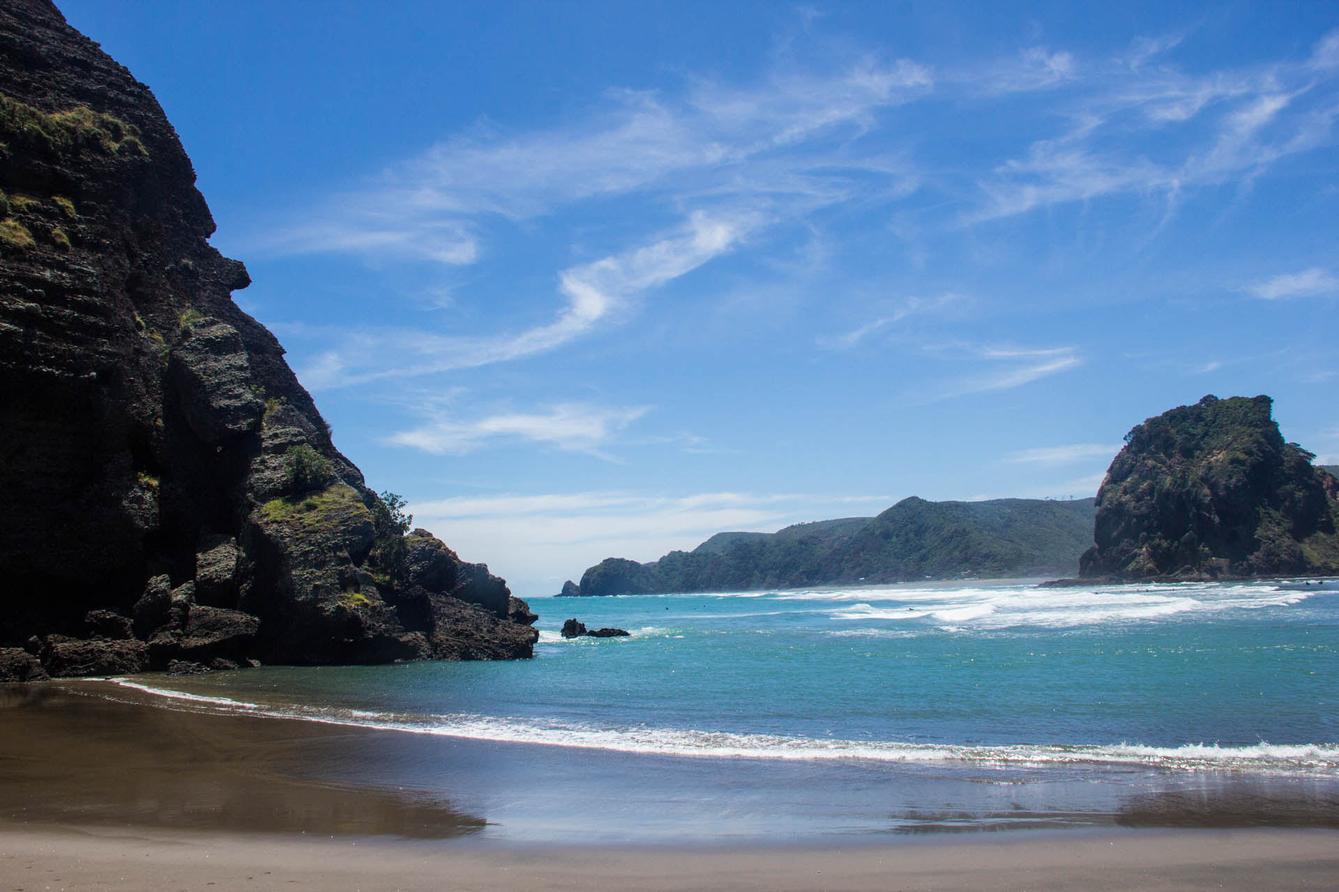 piha south beach in the sun