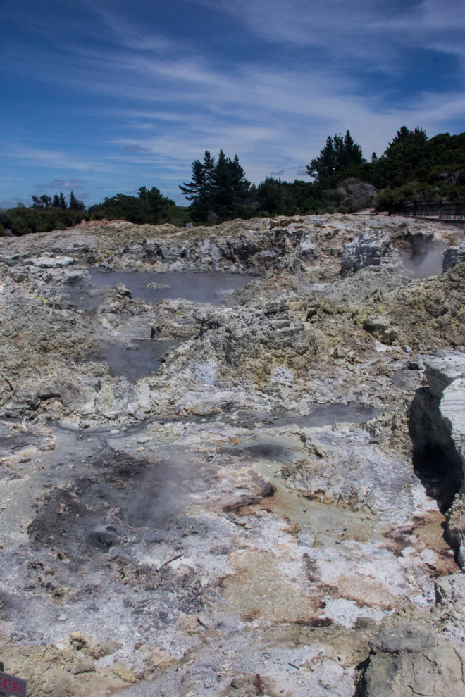 hell's gate rotorua new zealand geothermal hot springs