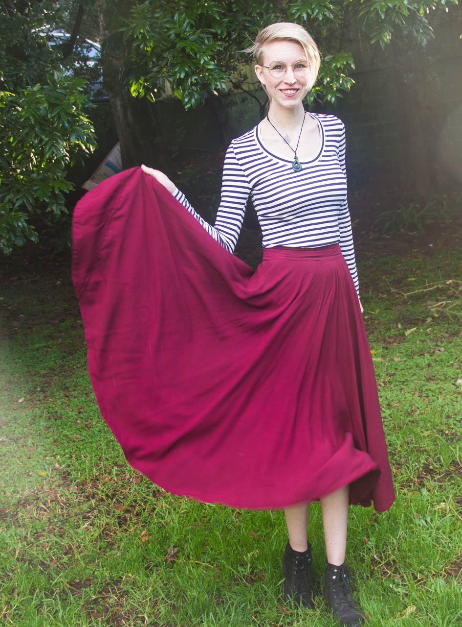 I swear I was just going to do quick patio photos for this shirt… but how could I resist MORE swishy skirt pictures!?!