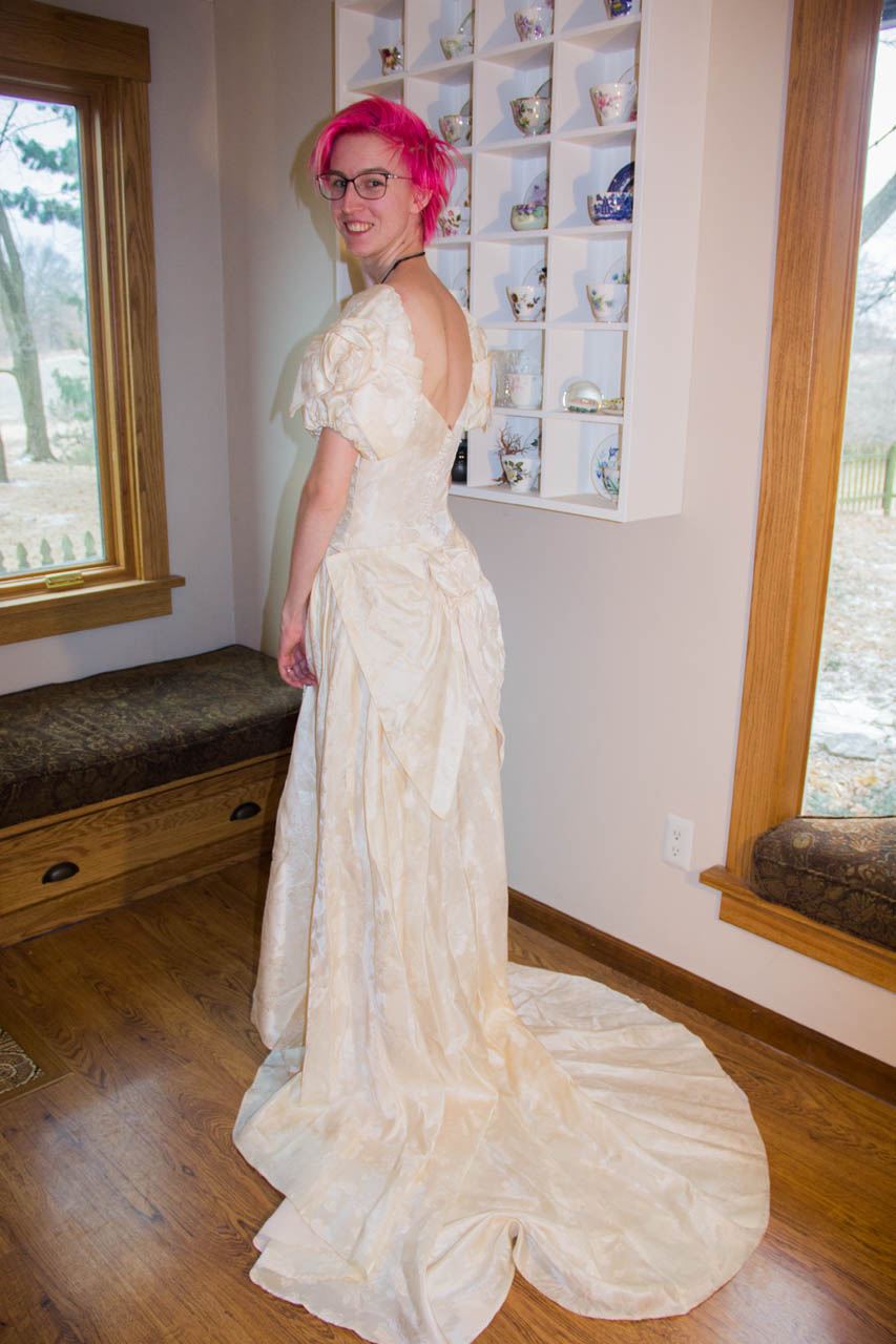 moms wedding dress back