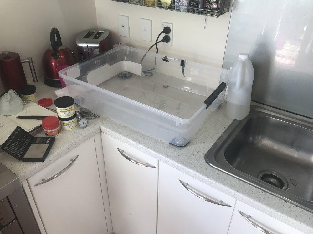 small house kitchen dye setup