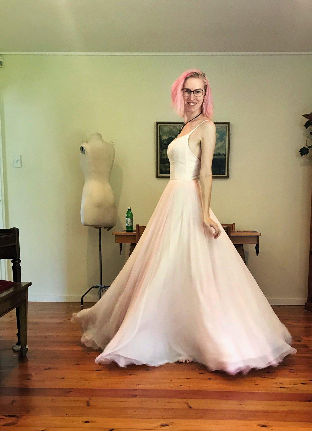 wedding dress circle skirt spin