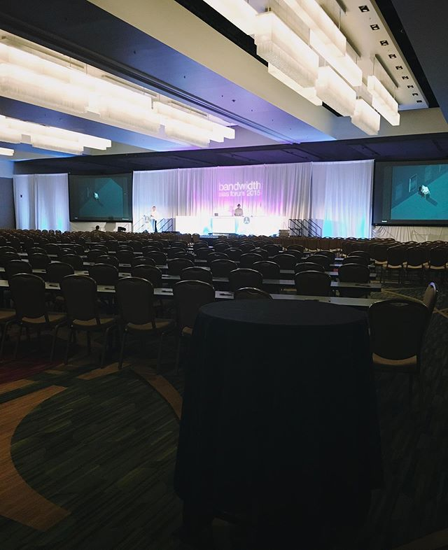 Are your stage design elements effecting attendee retention? There are a few questions you should ask when planning your conference and general sessions. ⠀ •⠀ •⠀ #eventprofs #meetingplanning #eventproduction #eventmanagement #meetingsmeanbusiness