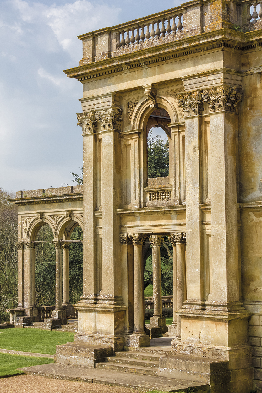 Witley Court and Gardens 4 April 21 2018.jpg