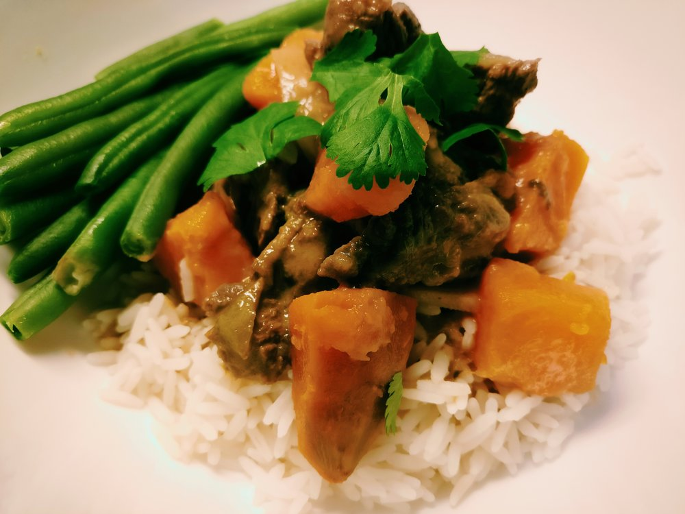Beef Curry - Ingredients500g Diced Beef1 Onion – diced410g Tin of Valcom red curry400ml Tin of Coconut Cream1 Orange Kumara – ChoppedGreen Beans1 ½  Cups of RiceCoriander Method1. In a frying pan, brown the diced beef and onion2. Add the Tin of Valcom Red Curry and Coconut Cream, bring to the boil and simmer uncovered for 20 minutes3. Cook the kumara in a saucepan with water until soft3. Cook the rice according to packet directions4. Steam or boil the green beans5. To serve, spoon the cooked rice into a bowl and top with some cooked Kumara, then spoon over the cooked beef and curry sauce, top with a small amount of fresh Coriander6. Serve with the cooked beans