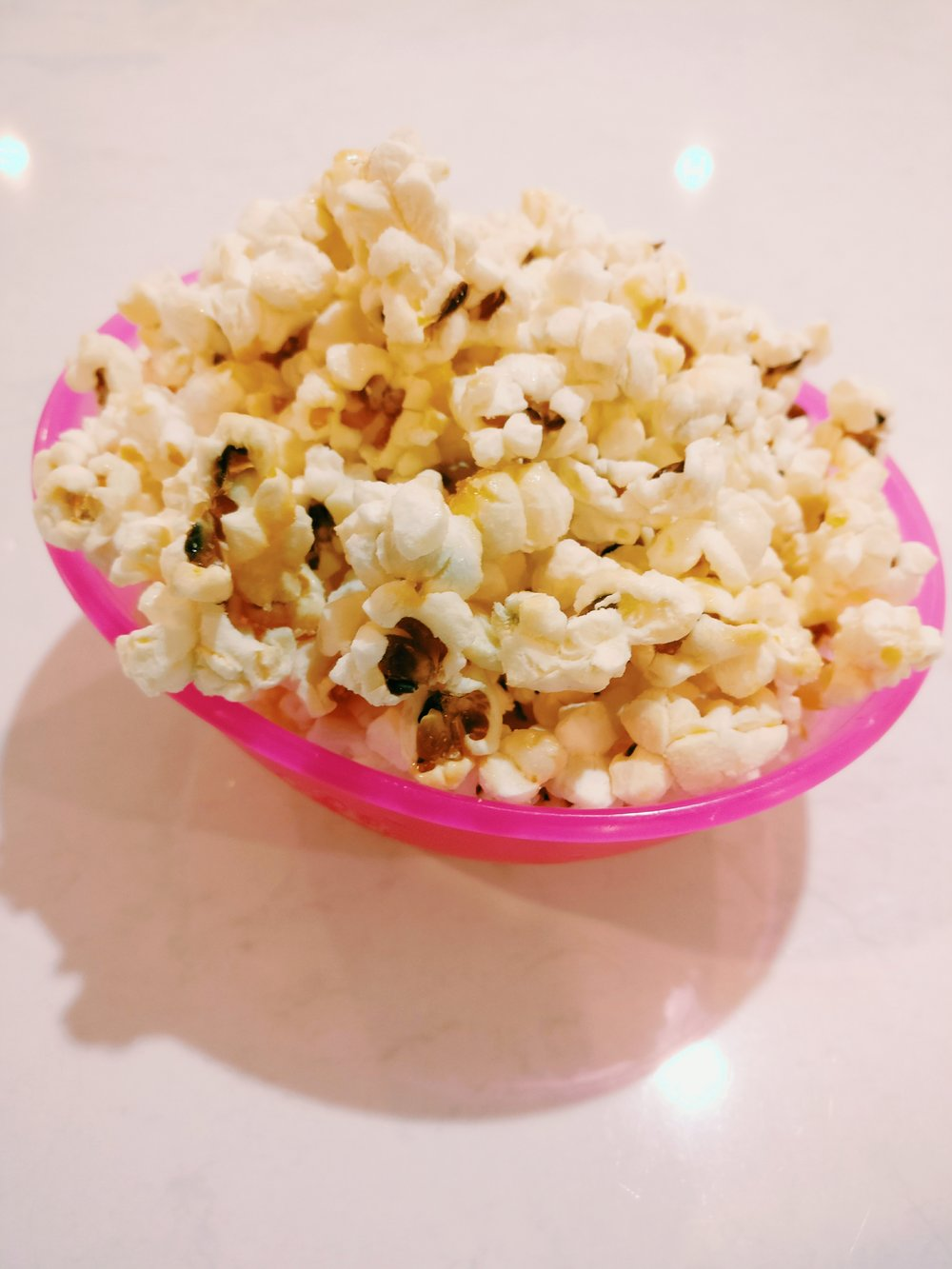 Kettle Corn - Ingredients1/4 Cup Popcorn Kernals2t Coconut Oil2T White Sugar1t SaltMethod1. Place the coconut oil in a large saucepan and place on an element at medium heat2. Add 2-3 popcorn kernals to the saucepan and place the lid on3. Once the popcorn kernals have popped, remove them from the saucepan, add the sugar and 1/4 Cup of popcorn kernals to the saucepan, cover4. Shake the saucepan every 20-30 seconds and continue to do so once the popcorn is popping5. Once the popping slows down, pour the popcorn into another bowl and toss, add the salt to the popcorn and continue to toss until coolClick here for the recipe video link