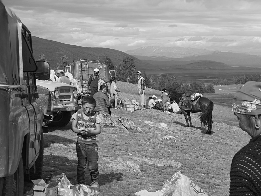 2016_MONGOLIA TRIP-05308 1_CURVE.jpg