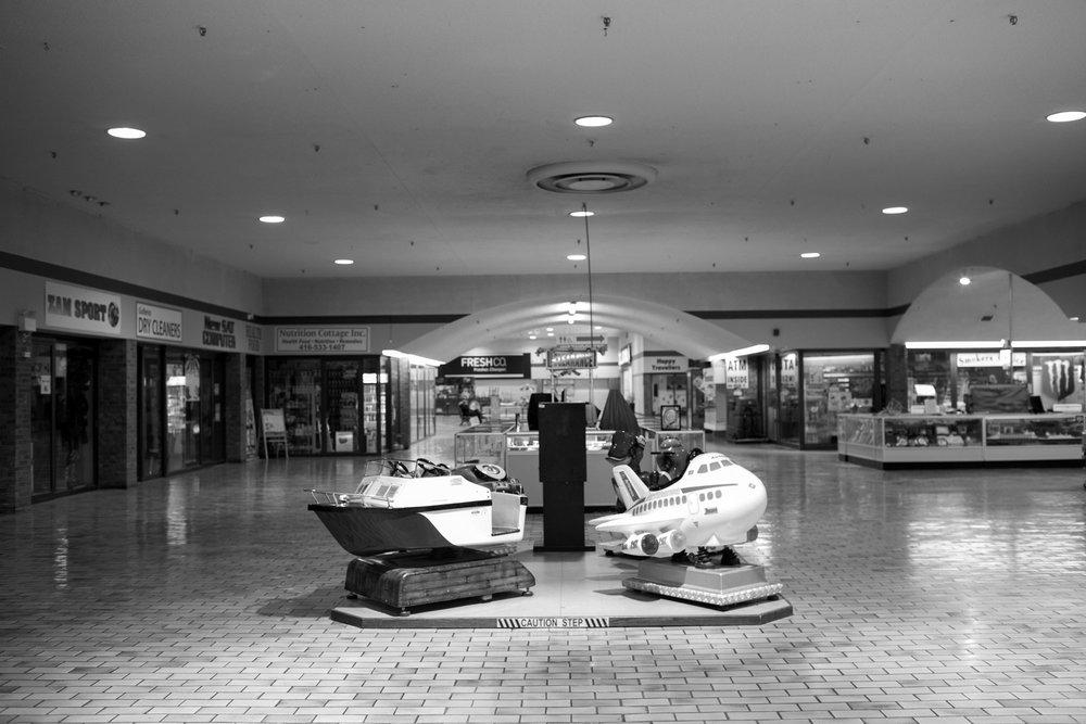 West-End-Phoenix-Feb2018-Galleria-Mall-Jeff-Harris-9.jpg