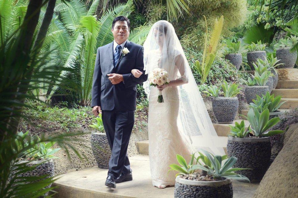 ICONIC-BRIDE-409117.jpg