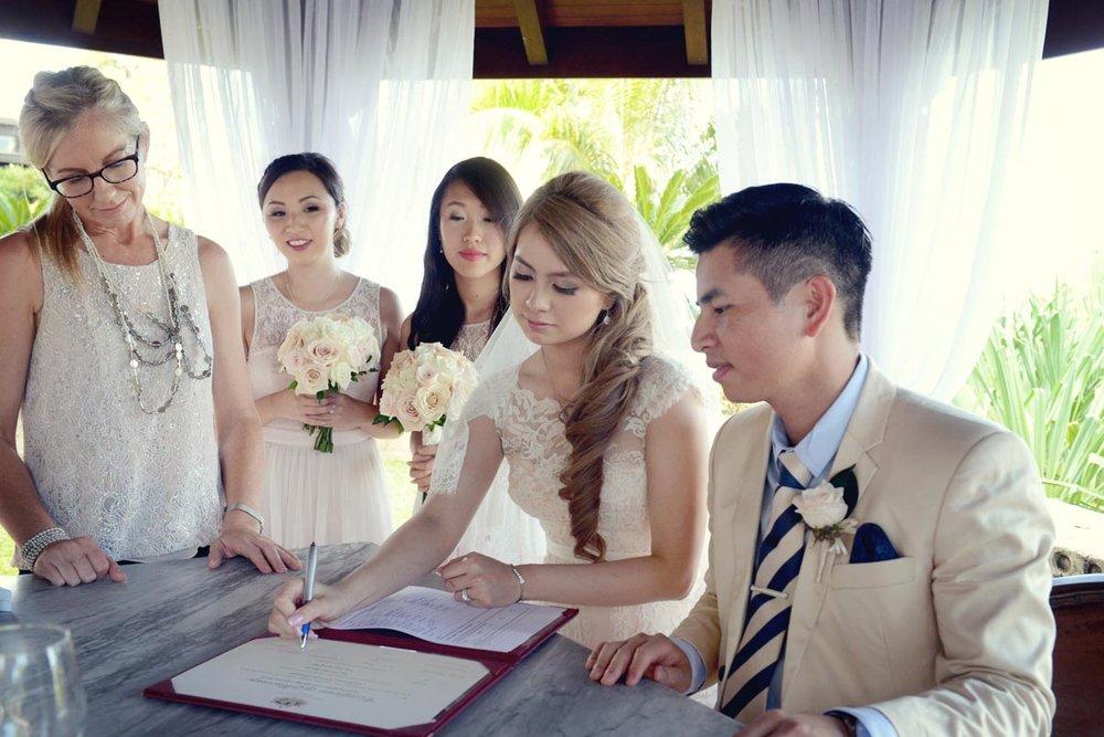 ICONIC-BRIDE-409239.jpg