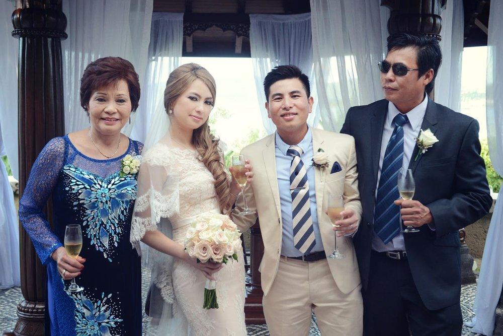 ICONIC-BRIDE-409270.jpg
