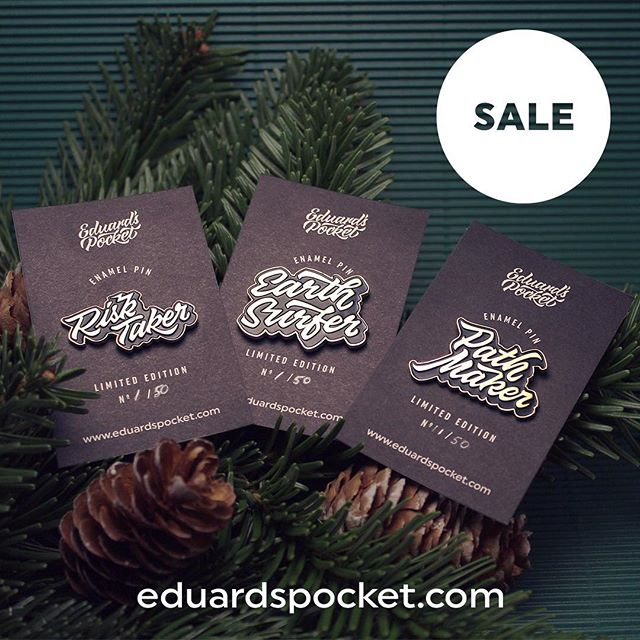 🎄 HAPPY HOLIDAYS Y'ALL! 🎁 Cop your limited edition pin on eduardspocket.com (🔗in bio) . . . . #christmas #christmas2017 #christmasmarket #xmas #xmas2027 #holidays #adventure #risktaker #motivation #explorer #travel #winter #accessories #enamelpin #pinsofig #pimgame #pin #pinlove #onlineshopping