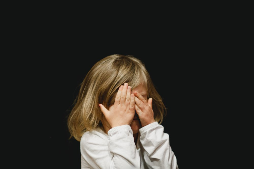 What is the right way to deal with angry child?