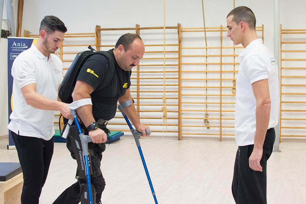 5-un-passo-in-avanti-palestra-per-lesioni-spinali-roma-esoscheletro-benefici.jpg