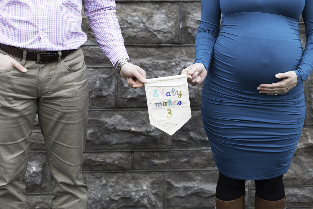 Downtown Ottawa// Laura & Denis Maternity Session