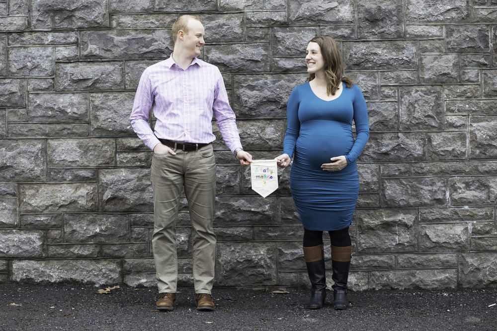 Downtown Ottawa// Laura & Denis Maternity Session