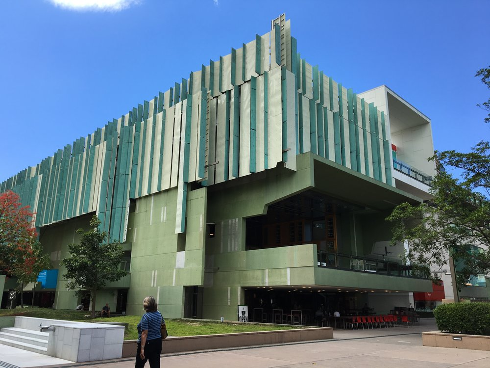 australia-brisbane-travel-state-library.JPG