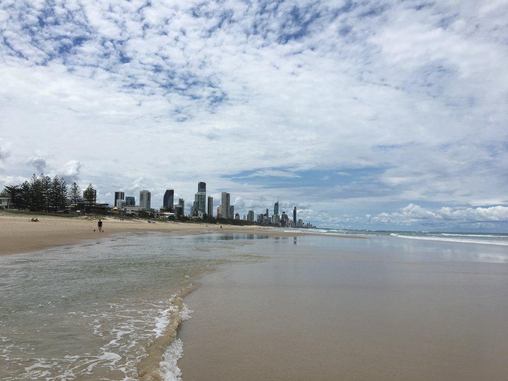 australia-gold-coast-beach-walk-2.JPG