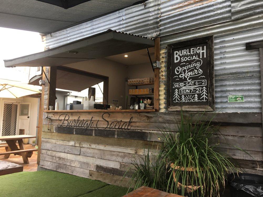 australia-gold-coast-burleigh-social.JPG