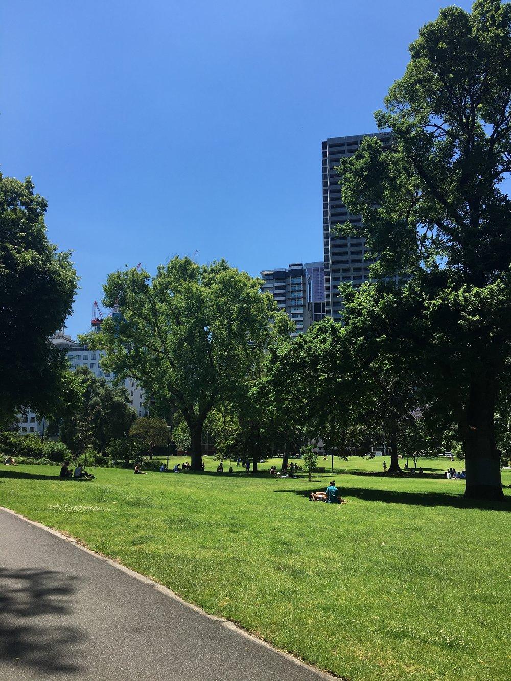 australia-melbourne-city-walk-to-victoria-market.JPG