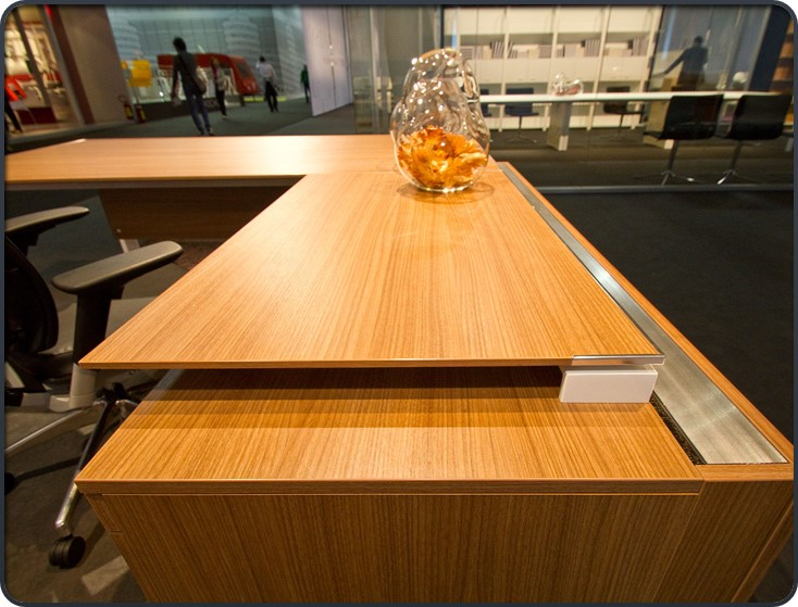 Milan Desk.jpg