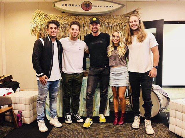 @AppleMusic ————————————- Thank you so much for hanging with us yesterday Jay! We really appreciate the opportunity to share some of our music with you, and cant wait to check out the new Apple office in Nashville once it's ready!
