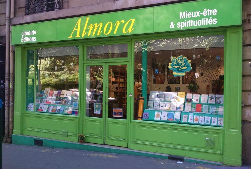 librairie-almora-paris-20-yoga-meditation-livres-recettes-cuisine-ayurveda.jpg