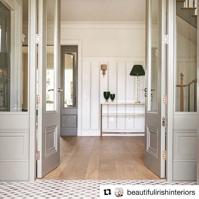 A little sneak peek at one of our beautiful homes we designed featured in Beautiful Irish interiors' new issue out this week!👏🏻 #Repost @beautifulirishinteriors  A little sneak peek at one of the fabulous homes featured in our new issue 🏡 ———————- @brazilassociates @studiobrazilinteriors  #housetour #houses #home #hallway #entrance #interiordesign #selfbuildireland #homerenovations #luxuryliving #bii #luxeliving #readingbii #irishinteriors #interiordesignmagazine #interiordesignlover