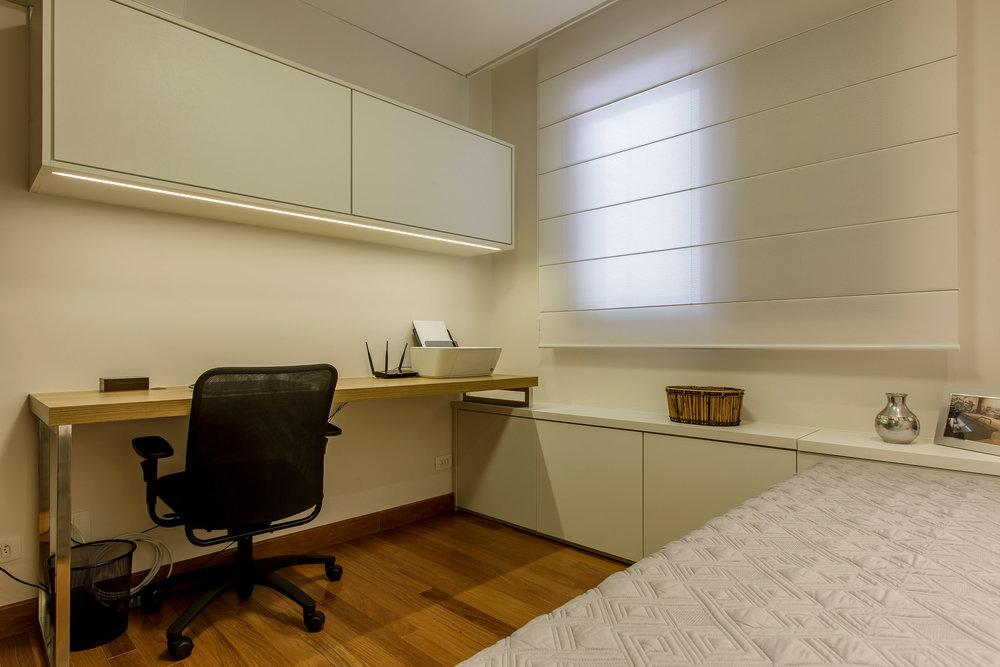 Daniela-Marques-Arquitetura-082-Home-Office-Mesa-Madeira.jpg
