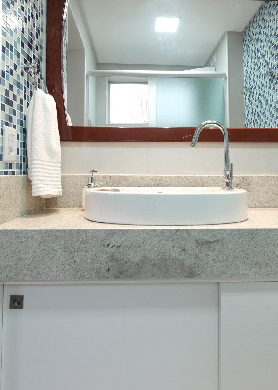 Daniela-Marques-Arquitetura-016-Banheiro-Cuba-Apoio-Deca.jpg
