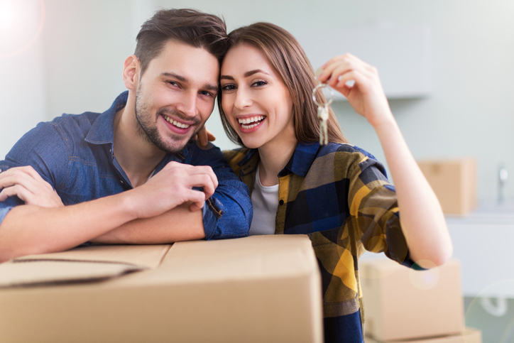 Practically Married : Couple moving in together
