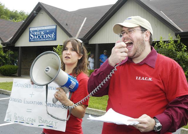Steven Singer, a white teacher doing what they do best: fighting for the rights of white teachers.