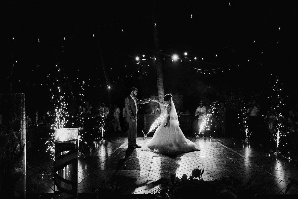 magali wedding photographer fotografo boda vallarta_49.jpg