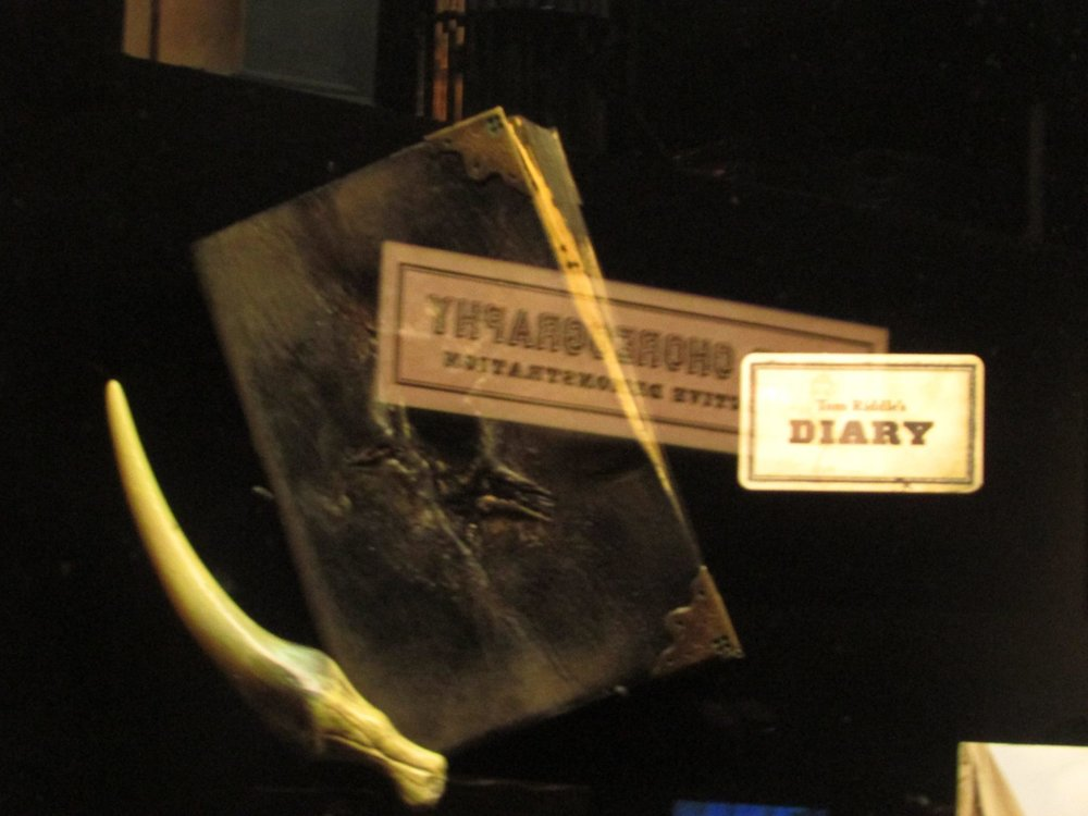 Tom Riddle's diary HP.jpg