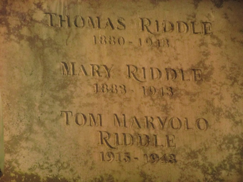 Tom Riddle's parents tombstone HP.jpg