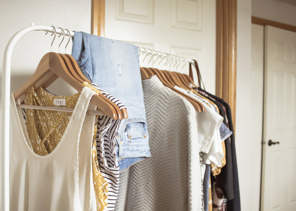 first things, first! let's clear that overloaded closet of yours! this is a straight to the point guide and everything is a suggestion. take what you want from it and make this process work for you and your lifestyle. we're happy to help you along the way and answer any questions that come up.