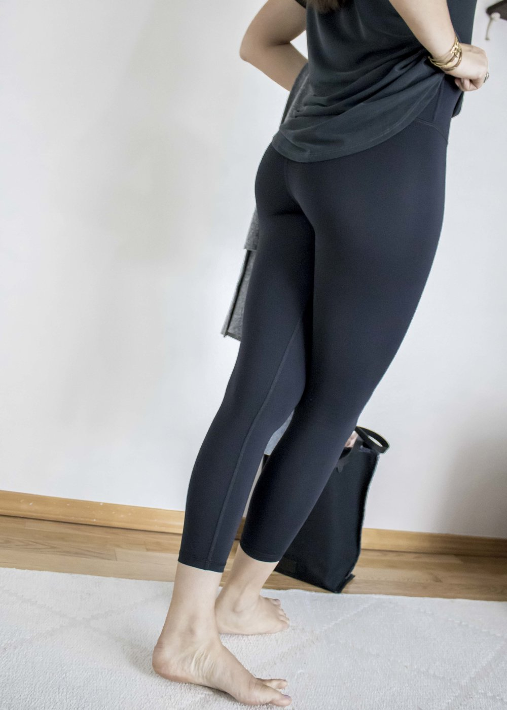 from studio to street, the SECOND SKIN LEGGING by joah brown is our go-to performance style legging. the technical fabrication is super stretchy, stays in place, keeps you cool, and is completely opaque. -