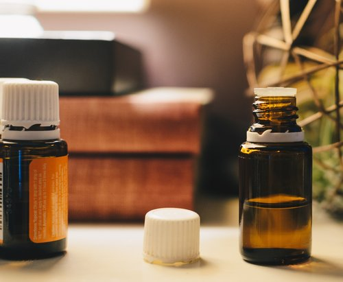 How To Use Essential Oils To Calm Anxiety Tree Of Life Health Coaching