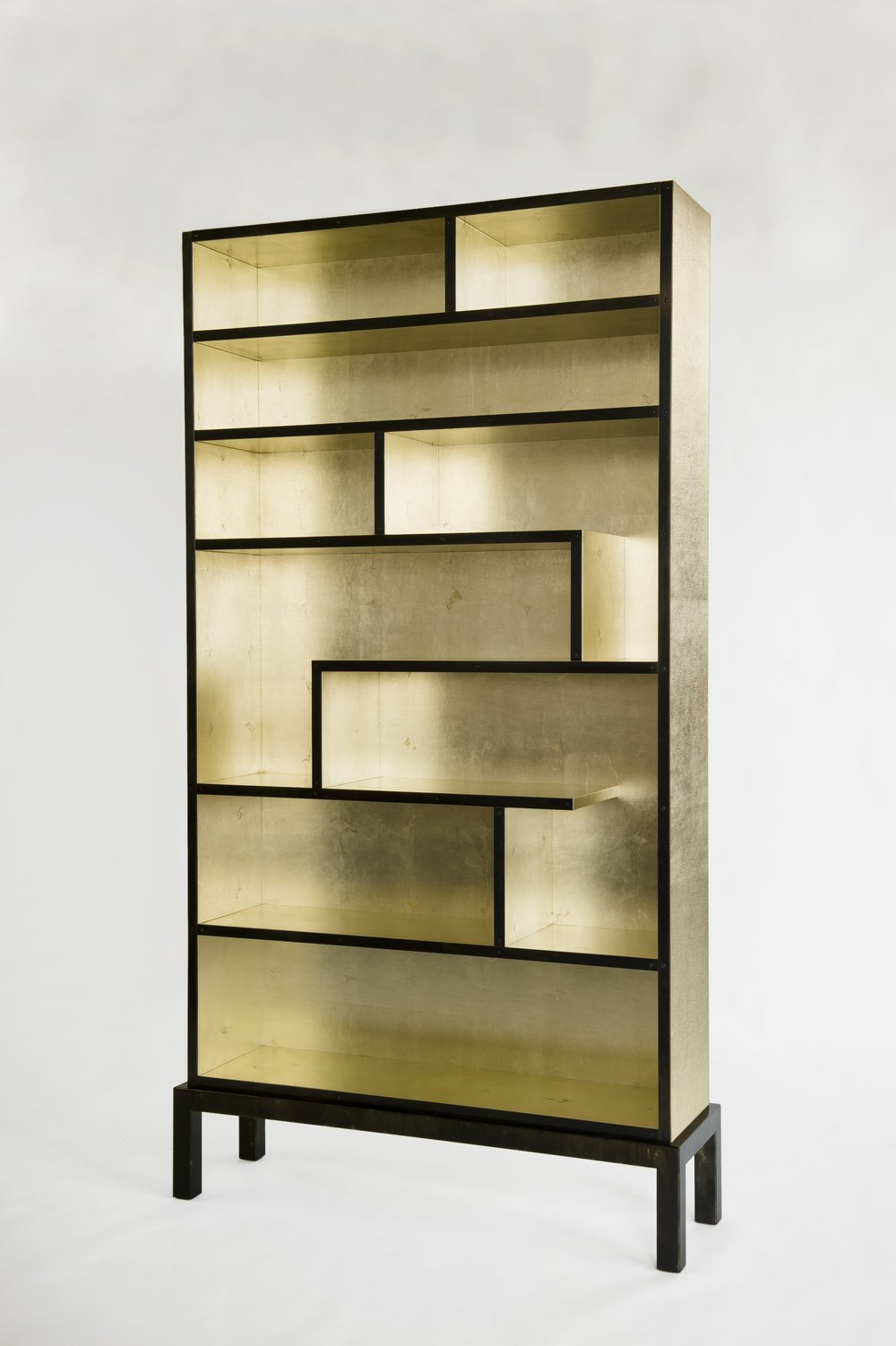 Bookshelf White goldleaf 3.jpg