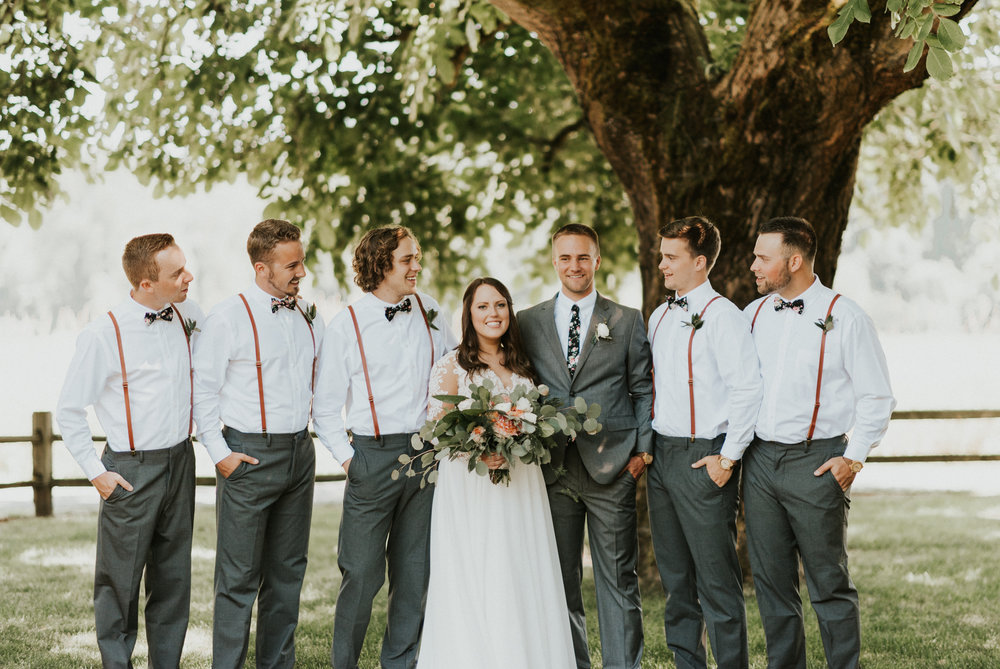 groomsmen meadow.jpg