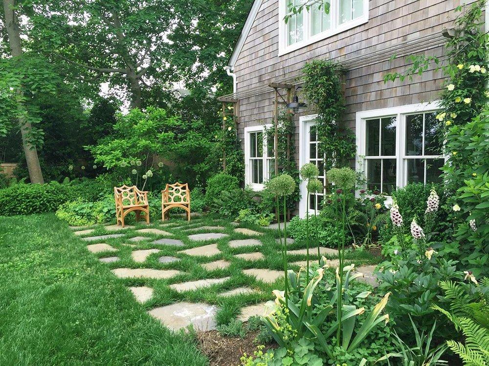 Shelter-Island-NY-Harbor-House-Terrace-Patio-Landscape-Design-Studio-Geiger-Architecture-Princeton-New-York.jpg