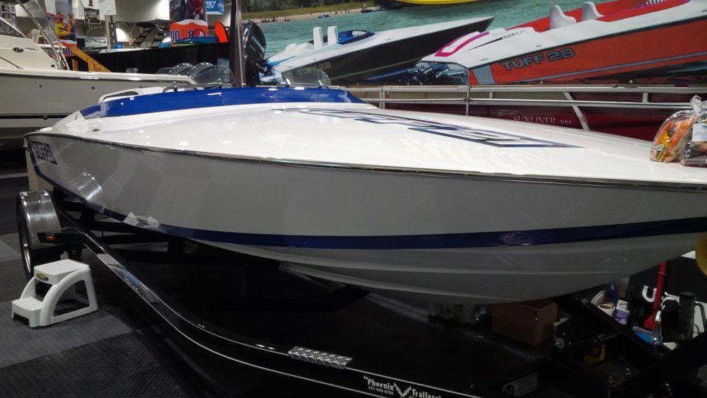 A rare sterndrive 21 Tuff capable of more than 105 mph with a stock Ilmor 570. Derived from the Linder 21 hull but with modern construction techniques, a wider pad and a notched transom, make this one of the most capable small performance boats today.