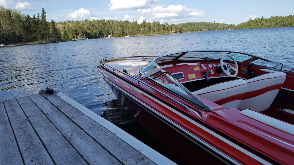 Mint - Despite being in near perfect condition on the exterior and never left in the water, this 1997 Checkmate's transom had rotted after about 15 years