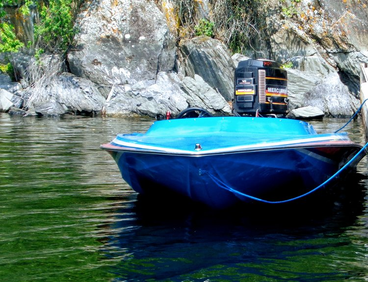 The Top Outboard Tunnel Hulls Under 22 Feet, You Can Buy Now — Wave