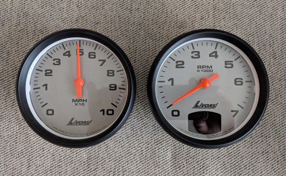 Digital gauges, Livorsi Vantage View, oversize, with a platinum dial and black mega rim. Simple and clean.