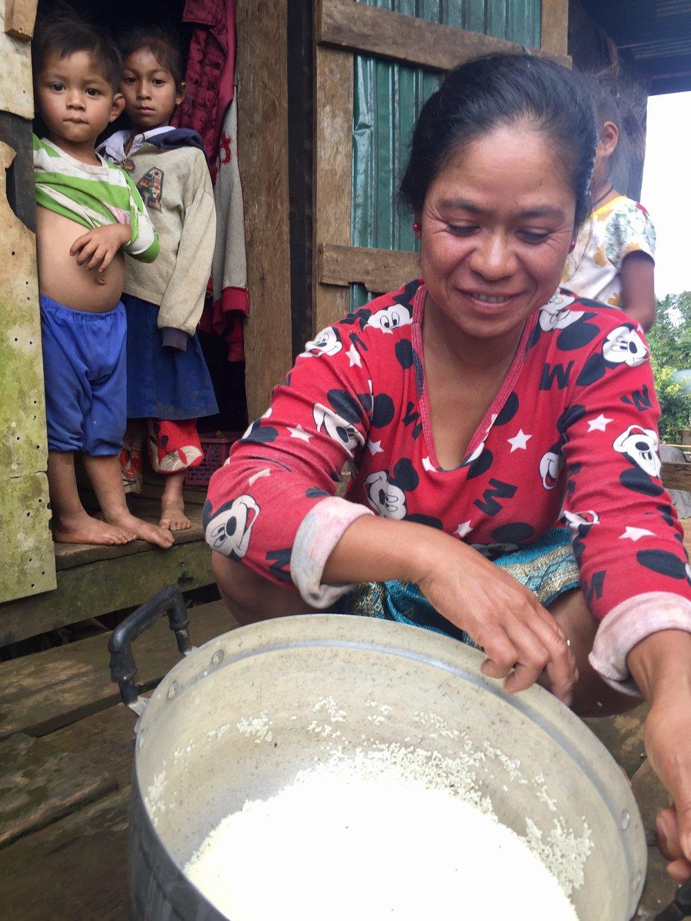 Kaen, Nong Louang Village