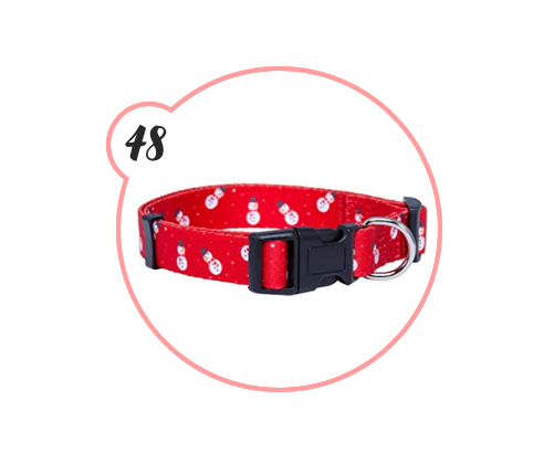 CHRISTMAS DOG COLLAR - HOW ADORABLE IS THIS??? They have so many patterns, too. Give it to your dog niece or nephew and become the favorite aunt or uncle,